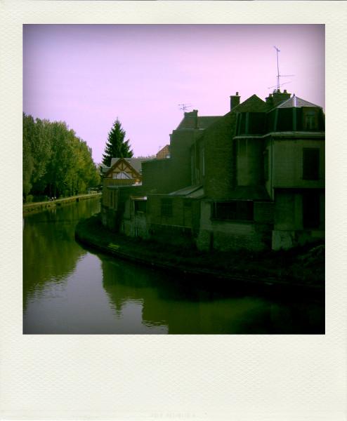 Amiens (Somme - 80090) [2008] (Photo de Didier Desmet) [Artiste Infirme Moteur Cérébral] [Infirmité Motrice Cérébrale] [IMC] [Paralysie Cérébrale] [Cerebral Palsy] [Handicap]