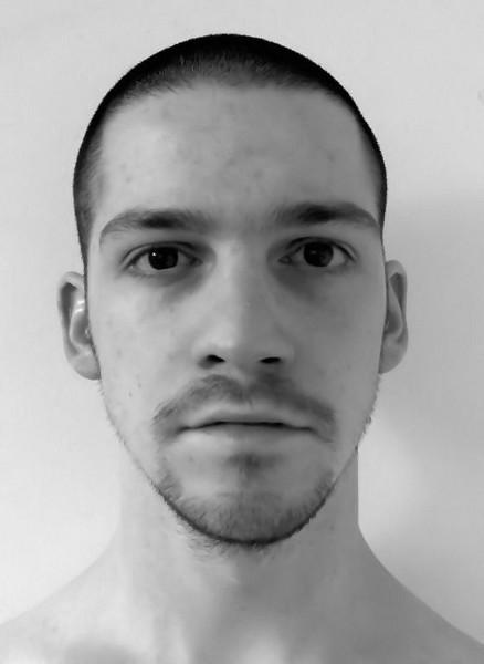 Autoportrait [Essai 2005] (Photo de Didier Desmet) [Artiste Infirme Moteur Cérébral] [Infirmité Motrice Cérébrale] [IMC] [Paralysie Cérébrale] [Cerebral Palsy] [Handicap]