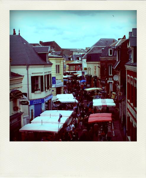 Cayeux-sur-mer - Brocante du 10 juin 2012 (Somme - 80410) [2012] (Photo de Didier Desmet) Pola [Artiste Infirme Moteur Cérébral] [Infirmité Motrice Cérébrale] [IMC] [Paralysie Cérébrale] [Cerebral Palsy] [Handicap]