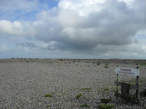 Cayeux-sur-mer - Danger - Baignade interdite (Somme - 80410) [2011] (Photo de Didier Desmet) Juillet [Artiste Infirme Moteur Cérébral] [Infirmité Motrice Cérébrale] [IMC] [Paralysie Cérébrale] [Cerebral Palsy] [Handicap]