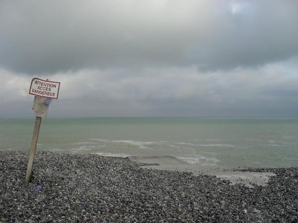 Cayeux-sur-mer - Descente près du sémaphore (Somme - 80410) [2011] (Photo de Didier Desmet) Juillet 2 [Artiste Infirme Moteur Cérébral] [Infirmité Motrice Cérébrale] [IMC] [Paralysie Cérébrale] [Cerebral Palsy] [Handicap]