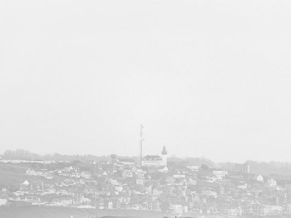 Cayeux-sur-mer - Hable d`Ault - Vue sur la ville d`Ault (Somme - 80410) [2014] (Photo de Didier Desmet) Mars [Artiste Infirme Moteur Cérébral] [Infirmité Motrice Cérébrale] [IMC] [Paralysie Cérébrale] [Cerebral Palsy] [Handicap]