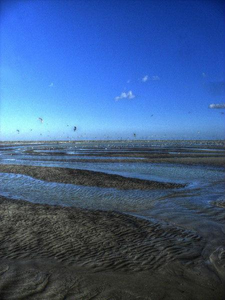 Cayeux-sur-mer - La plage de Brighton (Somme - 80410) [2011] (Photo de Didier Desmet) HDR [Artiste Infirme Moteur Cérébral] [Infirmité Motrice Cérébrale] [IMC] [Paralysie Cérébrale] [Cerebral Palsy] [Handicap]