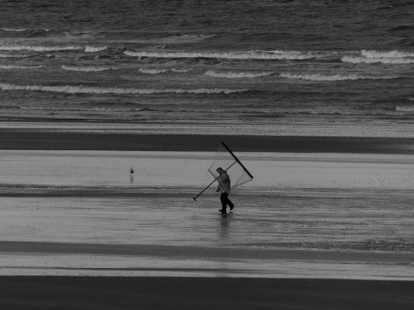 Cayeux-sur-mer - La solitude du pêcheur à la crevette (Somme - 80410) [2018] (Photo de Didier Desmet) [Artiste Infirme Moteur Cérébral] [Infirmité Motrice Cérébrale] [IMC] [Paralysie Cérébrale] [Cerebral Palsy] [Handicap]