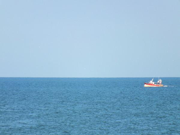 Cayeux-sur-mer - Le bateau rouge (Somme - 80410) [2014] (Photo de Didier Desmet) [Artiste Infirme Moteur Cérébral] [Infirmité Motrice Cérébrale] [IMC] [Paralysie Cérébrale] [Cerebral Palsy] [Handicap]