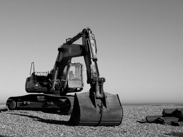 Cayeux-sur-mer - Le chantier de construction de 24 nouveaux épis sur le front de mer cayolais (Somme - 80410) [2014] (Photo de Didier Desmet) Mars Pelleteuse [Artiste Infirme Moteur Cérébral] [Infirmité Motrice Cérébrale] [IMC] [Paralysie Cérébrale] [Cerebral Palsy] [Handicap]