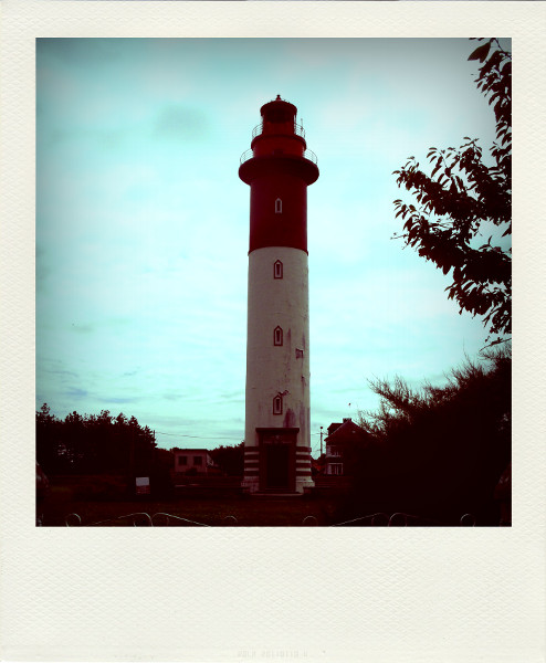 Cayeux-sur-mer - Le phare (Brighton) (Somme - 80410) [2011] (Photo de Didier Desmet) Aot 2 Pola [Artiste Infirme Moteur Cérébral] [Infirmité Motrice Cérébrale] [IMC] [Paralysie Cérébrale] [Cerebral Palsy] [Handicap]