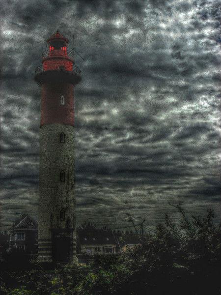 Cayeux-sur-mer - Le phare (Brighton) (Somme - 80410) [2011] (Photo de Didier Desmet) HDR [Artiste Infirme Moteur Cérébral] [Infirmité Motrice Cérébrale] [IMC] [Paralysie Cérébrale] [Cerebral Palsy] [Handicap]