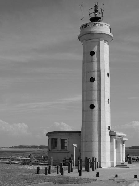 Cayeux-sur-mer - Le phare du Hourdel (Somme - 80410) [2014] (Photo de Didier Desmet) [Artiste Infirme Moteur Cérébral] [Infirmité Motrice Cérébrale] [IMC] [Paralysie Cérébrale] [Cerebral Palsy] [Handicap]
