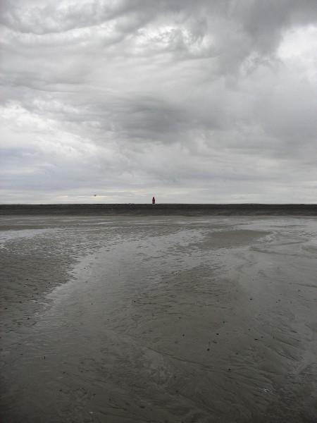 Cayeux-sur-mer - Le phare, vue de la plage de Brighton (Somme - 80410) [2011] (Photo de Didier Desmet) Aot 1 [Artiste Infirme Moteur Cérébral] [Infirmité Motrice Cérébrale] [IMC] [Paralysie Cérébrale] [Cerebral Palsy] [Handicap]