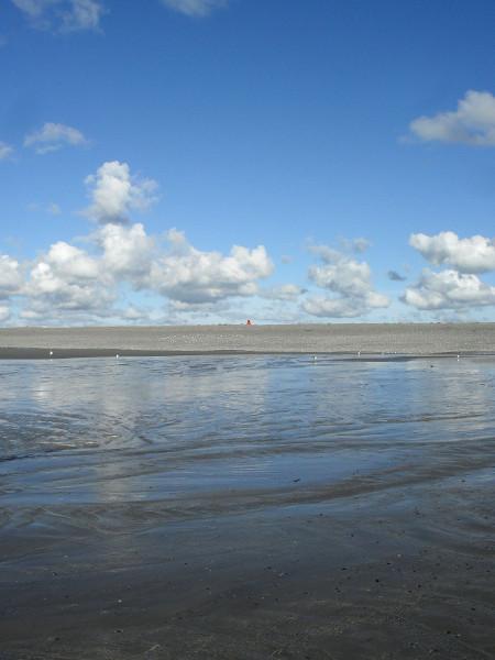 Cayeux-sur-mer - Le phare, vue de la plage de Brighton (Somme - 80410) [2011] (Photo de Didier Desmet) Août [Artiste Infirme Moteur Cérébral] [Infirmité Motrice Cérébrale] [IMC] [Paralysie Cérébrale] [Cerebral Palsy] [Handicap]