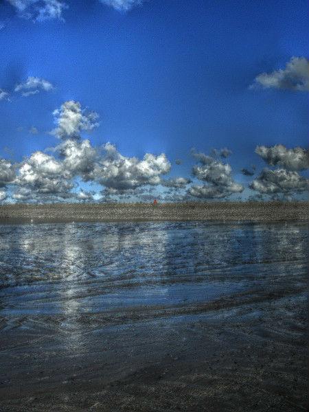 Cayeux-sur-mer - Le phare, vue de la plage de Brighton (Somme - 80410) [2011] (Photo de Didier Desmet) HDR 2 [Artiste Infirme Moteur Cérébral] [Infirmité Motrice Cérébrale] [IMC] [Paralysie Cérébrale] [Cerebral Palsy] [Handicap]