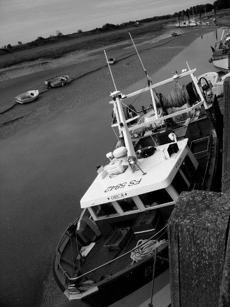 Cayeux-sur-mer - Le port du Hourdel (Somme - 80410) [2011] (Photo de Didier Desmet) Bateau Août [Artiste Infirme Moteur Cérébral] [Infirmité Motrice Cérébrale] [IMC] [Paralysie Cérébrale] [Cerebral Palsy] [Handicap]