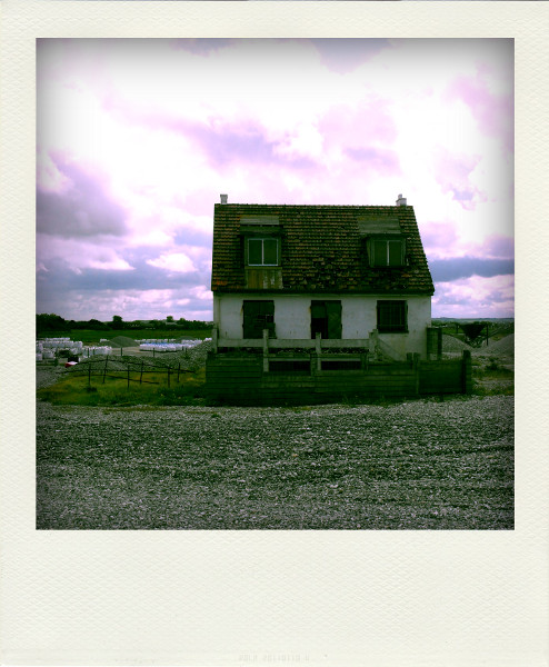 Cayeux-sur-mer - Maison abandonnée près du sémaphore (Somme - 80410) [2011] (Photo de Didier Desmet) Juillet Pola [Artiste Infirme Moteur Cérébral] [Infirmité Motrice Cérébrale] [IMC] [Paralysie Cérébrale] [Cerebral Palsy] [Handicap]