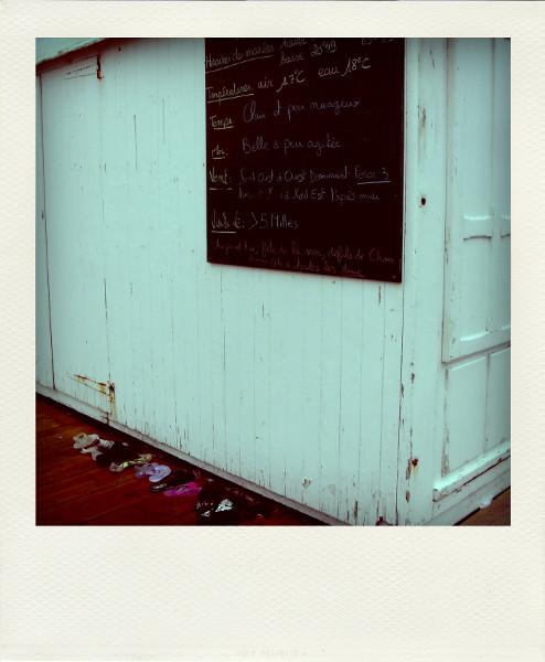 Cayeux-sur-mer - Objets trouvés (Somme - 80410) [2011] (Photo de Didier Desmet) Pola [Artiste Infirme Moteur Cérébral] [Infirmité Motrice Cérébrale] [IMC] [Paralysie Cérébrale] [Cerebral Palsy] [Handicap]