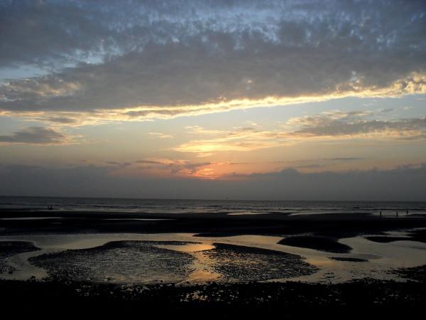 Cayeux-sur-mer (Somme - 80410) [2011] (Photo de Didier Desmet) Coucher de soleil Août [Artiste Infirme Moteur Cérébral] [Infirmité Motrice Cérébrale] [IMC] [Paralysie Cérébrale] [Cerebral Palsy] [Handicap]