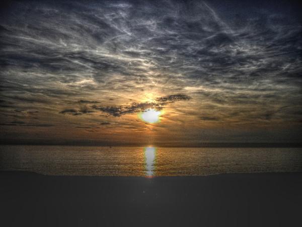 Cayeux-sur-mer (Somme - 80410) [2011] (Photo de Didier Desmet) Coucher de soleil HDR [Artiste Infirme Moteur Cérébral] [Infirmité Motrice Cérébrale] [IMC] [Paralysie Cérébrale] [Cerebral Palsy] [Handicap]