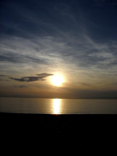 Cayeux-sur-mer (Somme - 80410) [2011] (Photo de Didier Desmet) Coucher de soleil Juin [Artiste Infirme Moteur Cérébral] [Infirmité Motrice Cérébrale] [IMC] [Paralysie Cérébrale] [Cerebral Palsy] [Handicap]