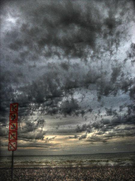 Cayeux-sur-mer (Somme - 80410) [2011] (Photo de Didier Desmet) HDR 3 [Artiste Infirme Moteur Cérébral] [Infirmité Motrice Cérébrale] [IMC] [Paralysie Cérébrale] [Cerebral Palsy] [Handicap]