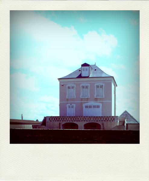 Cayeux-sur-mer - Villa rose (Somme - 80410) [2011] (Photo de Didier Desmet) Juillet Pola [Artiste Infirme Moteur Cérébral] [Infirmité Motrice Cérébrale] [IMC] [Paralysie Cérébrale] [Cerebral Palsy] [Handicap]