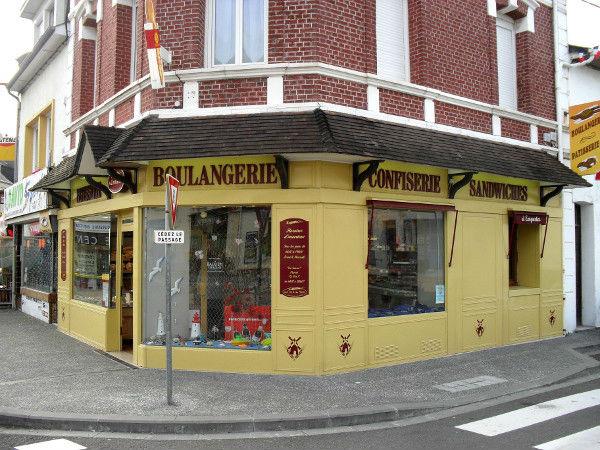 La Boulangerie Sené de Cayeux-sur-mer (Somme - 80410) (Photo de Didier Desmet) [Artiste Infirme Moteur Cérébral] [Infirmité Motrice Cérébrale] [IMC] [Paralysie Cérébrale] [Cerebral Palsy] [Handicap]