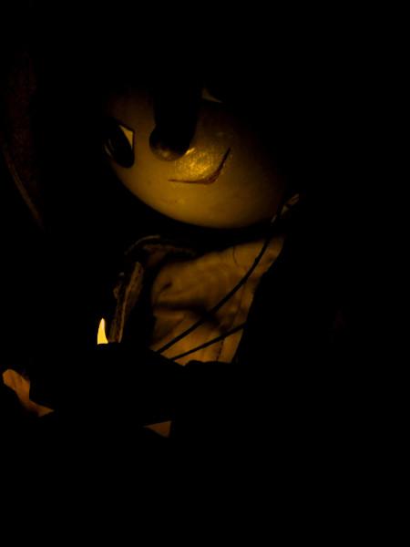 Le pantin de bois ou La lueur [2013] (Photo de Didier Desmet) [Artiste Infirme Moteur Cérébral] [Infirmité Motrice Cérébrale] [IMC] [Paralysie Cérébrale] [Cerebral Palsy] [Handicap]