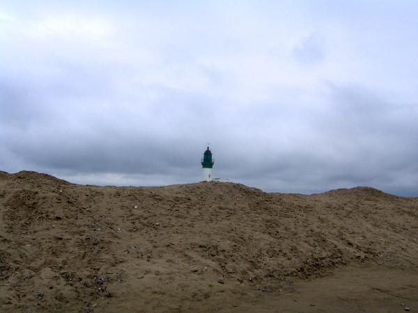 Le phare du Tréport (Seine-Maritime - 76470) [2005] (Photo de Didier Desmet) Sommet [Artiste Infirme Moteur Cérébral] [Infirmité Motrice Cérébrale] [IMC] [Paralysie Cérébrale] [Cerebral Palsy] [Handicap]