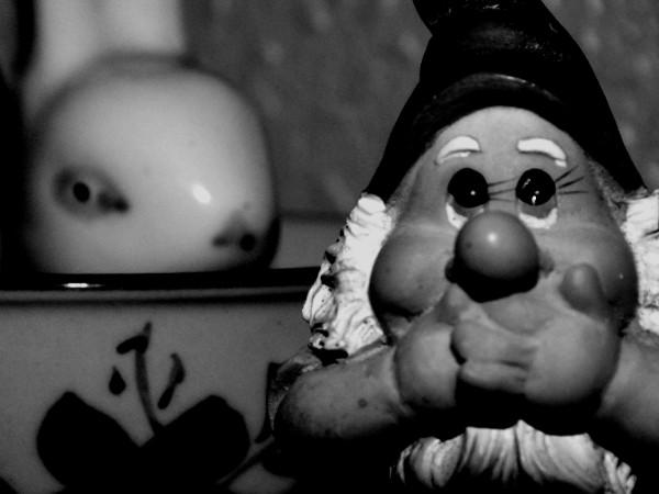 Le printemps - ou Le gnome et le lapin - [2015] (Photo de Didier Desmet) [Artiste Infirme Moteur Cérébral] [Infirmité Motrice Cérébrale] [IMC] [Paralysie Cérébrale] [Cerebral Palsy] [Handicap]