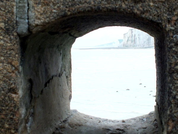 Les falaises d`Ault vue du phare du Tréport (Seine-Maritime - 76470) [2016] (Photo de Didier Desmet) [Artiste Infirme Moteur Cérébral] [Infirmité Motrice Cérébrale] [IMC] [Paralysie Cérébrale] [Cerebral Palsy] [Handicap]