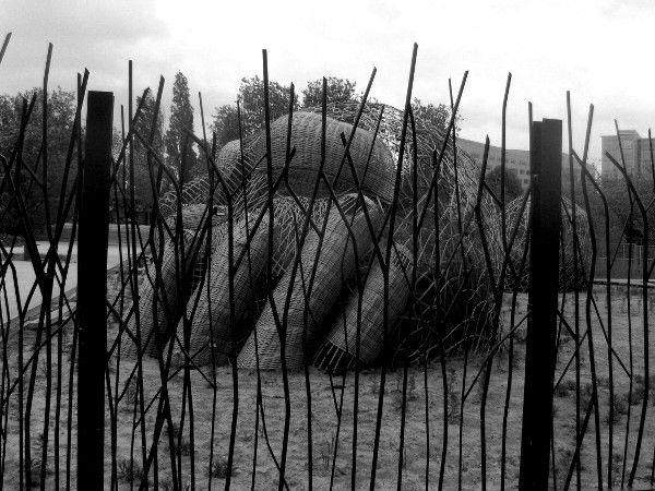 Lille - Jardin des Géants (Nord - 59000) [2009] (Photo de Didier Desmet) [Artiste Infirme Moteur Cérébral] [Infirmité Motrice Cérébrale] [IMC] [Paralysie Cérébrale] [Cerebral Palsy] [Handicap]