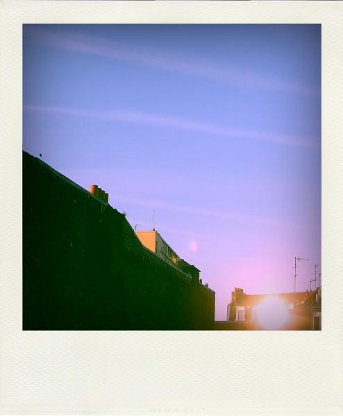 Lille - Soleil par procuration (Nord - 59000) [2012] (Photo de Didier Desmet) Pola [Artiste Infirme Moteur Cérébral] [Infirmité Motrice Cérébrale] [IMC] [Paralysie Cérébrale] [Cerebral Palsy] [Handicap]