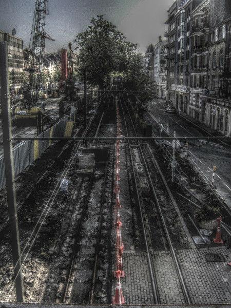 Lille - Travaux de l`avenue de la République (Nord - 59000) [2006] (Photo de Didier Desmet) HDR [Artiste Infirme Moteur Cérébral] [Infirmité Motrice Cérébrale] [IMC] [Paralysie Cérébrale] [Cerebral Palsy] [Handicap]