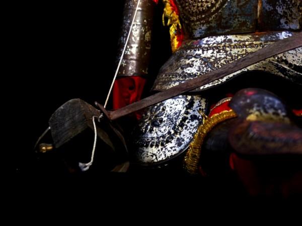 Marionnette sicilienne Opera dei Pupi - Rinaldo (Détail) [2020] (Photo de Didier Desmet) [Artiste Infirme Moteur Cérébral] [Infirmité Motrice Cérébrale] [IMC] [Paralysie Cérébrale] [Cerebral Palsy] [Handicap] [Kawaii]