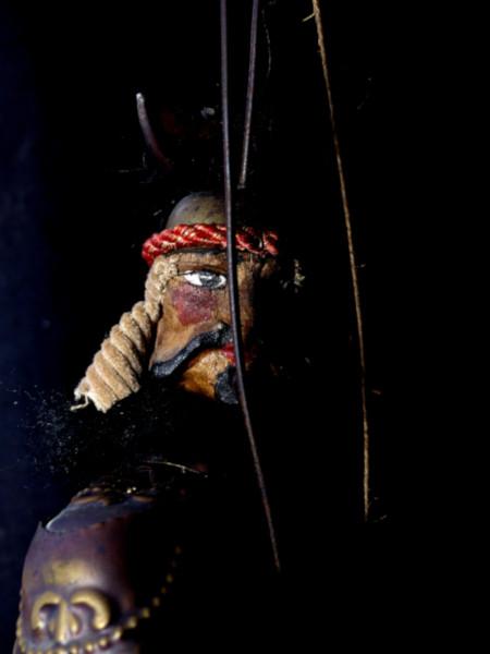 Marionnette sicilienne Opera dei Pupi - Saraceno #2 [2020] (Photo de Didier Desmet) Lavarazione a mano [Artiste Infirme Moteur Cérébral] [Infirmité Motrice Cérébrale] [IMC] [Paralysie Cérébrale] [Cerebral Palsy] [Handicap] [Kawaii]