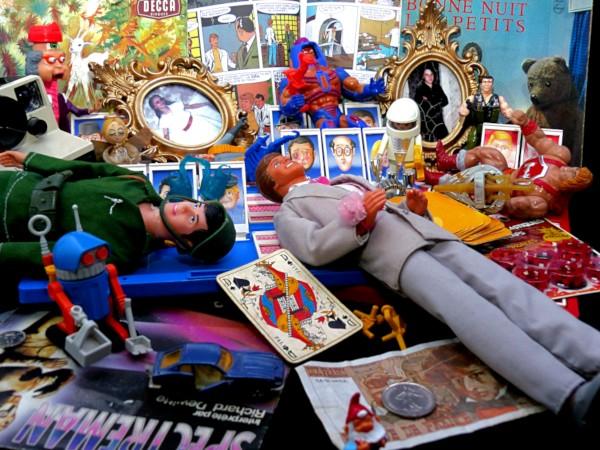Souvenirs d`enfance (Reconstitution) [2020] (Photo de Didier Desmet) [Artiste Infirme Moteur Cérébral] [Infirmité Motrice Cérébrale] [IMC] [Paralysie Cérébrale] [Cerebral Palsy] [Handicap] [Kawaii]