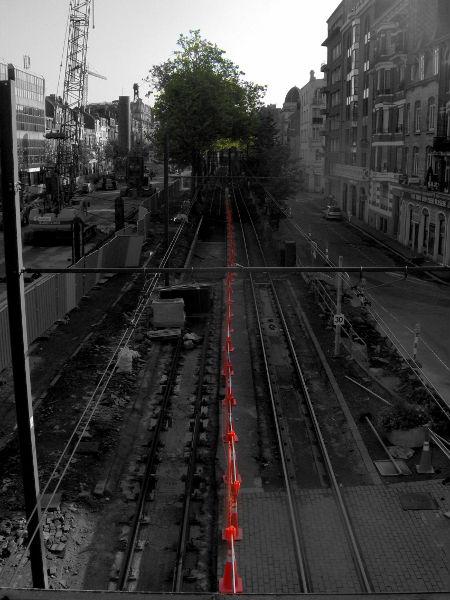 Lille - Travaux de l'avenue de la République (Nord - 59000) [2006] (Photo de Didier Desmet) [Artiste Infirme Moteur Cérébral] [Infirmité Motrice Cérébrale] [IMC] [Paralysie Cérébrale] [Cerebral Palsy] [Handicap]